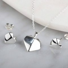 Stunning 925 Sterling Silver Origami Heart Pendant Necklace